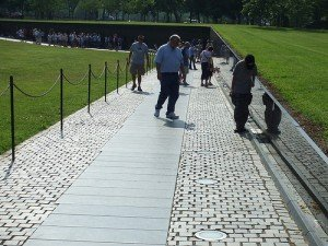 20090218221111!Vietnam_war_memorial